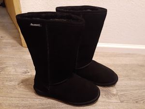 BEARPAW BOOTS NEVER WORN for Sale in Tacoma, WA