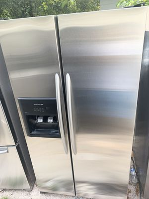 kitchenaid refrigerator stainless steel / delivery available for Sale in Tampa, FL