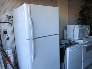 Kenmore refrigerator W/ ice maker, micro wave and oven for Sale in Henderson, NV