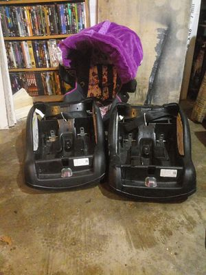 Car seat with 2 bases and cover for Sale in Granger, IN