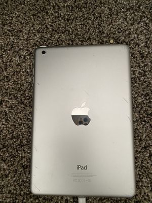 iPad 16 gb good condition for Sale in Jennings, MO
