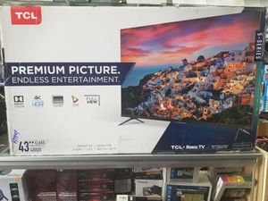 "43"" top MODEL 5 SERIES BORDLESS TV BY TCL WITH ROKU STREAMING. ENDLESS ENTERTAINMENT for Sale in Los Angeles, CA"