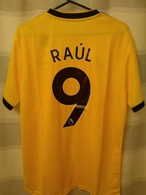 66cd0bb635c wolves raul jimenez jersey for Sale in Fontana