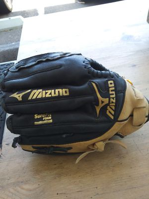 Mizuno glove softball for Sale in El Cajon, CA