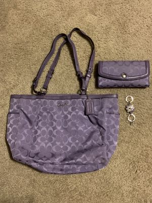 Coach purse/wallet/key chain for Sale in San Tan Valley, AZ