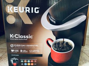 Keurig k.classic coffee maker for Sale in Forest Hills, TN