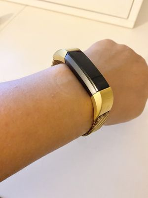 Fitbit HR with extra bands for Sale in San Diego, CA