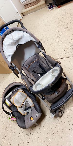 Chicco stroller and car seat for Sale in Sterling Heights, MI
