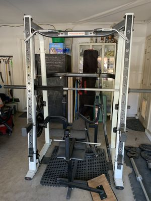 """Fitness Gear """"smith machine"""" bench, weights and dumbells for Sale in Fontana, CA"""