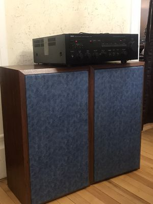 Amplifier YAMAHA A-720 and VINTAGE SONY SPEAKERS for Sale in Aurora, IL
