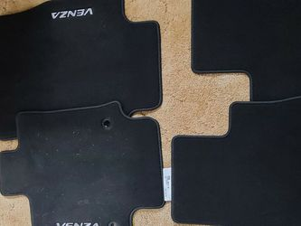 Flor Mats For Toyota Venza Hybrid for Sale in Kent,  WA