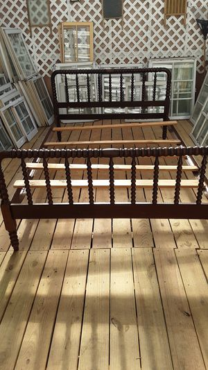 Full size bed for Sale in Cary, NC