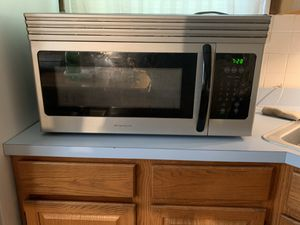 Microwave for Sale in Berkeley, MO
