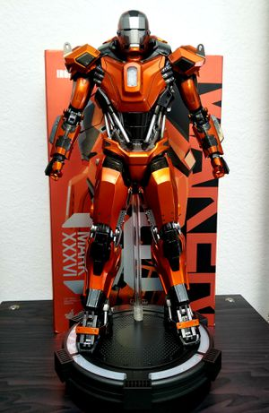 Hot Toys Iron Man Peacemaker Collectible figure for Sale in West Palm Beach, FL