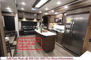 Last 2019 Highland Ridge Silverstar 384RLS Luxury Travel Trailer FINANCING AVAILABLE for Sale in Manvel, TX