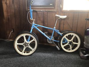 Ogk hutch style mag wheels for Sale in Boston, MA