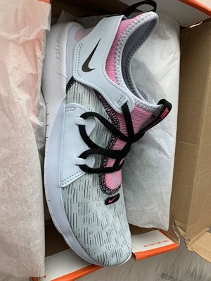 New never worn size 8 women's Nike for Sale in Rialto, CA