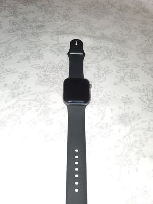 Apple watch series 4 40mm GPS for Sale in Chandler, AZ