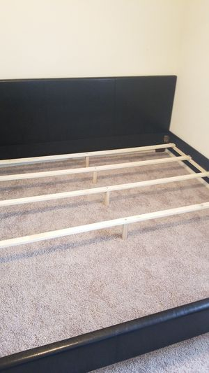 King size bed frame for Sale in Arlington, TX