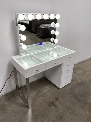 VANITY WITH MIRROR BLUETOOTH AND SPEAKERS 🔊 for Sale in Phoenix, AZ