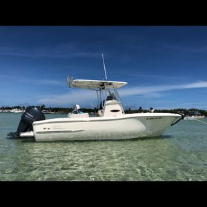 Pioneer Sportfish 222 Center Console Fishing Boat - Must See! Barco for Sale in Hialeah, FL