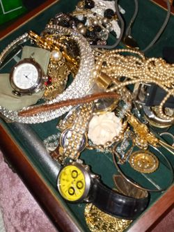 No Real Gold I Dont Know About 2 Pieces May Be Real 2 925 Pieces 1 Cartier De Pasha And Vintage And Antique Jewlry Brooch And Mourning Necklace s Real for Sale in Aurora,  CO