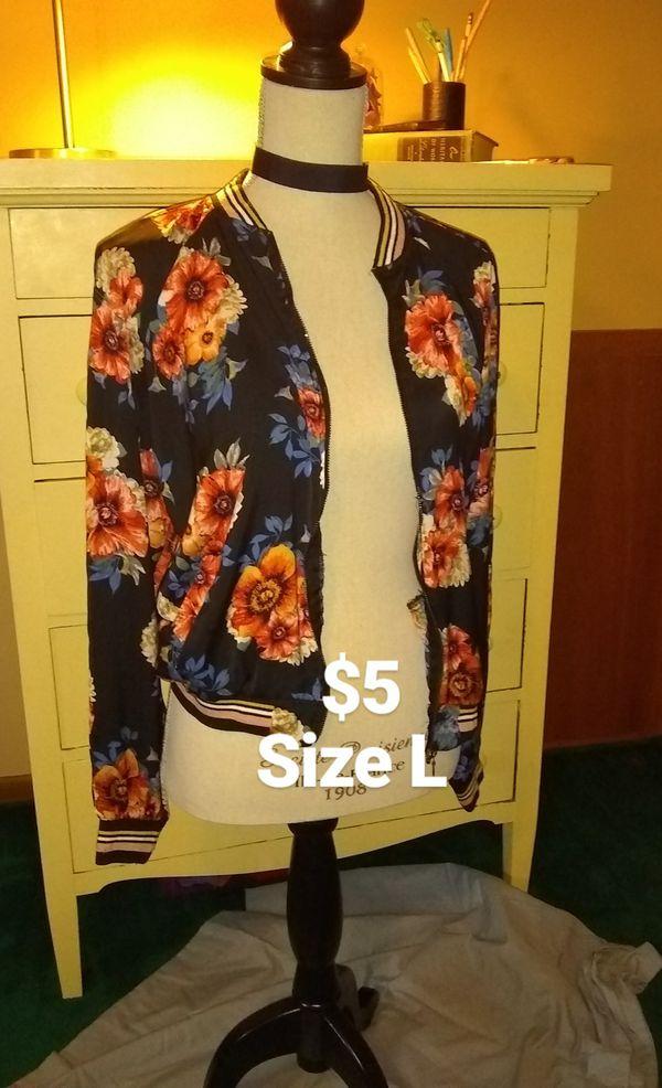 Woman's dress jacket, long sleeve, T-shirt