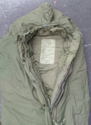 GI ISSUE MILITARY EXTREME COLD SLEEPING BAG USED Genuine Surplus Military Issue for Sale in Ocoee, FL