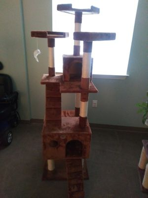 6ft Cat Tree for Sale in Ford, KY