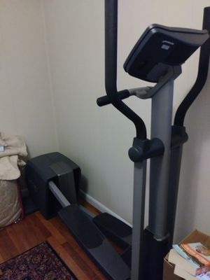 NordicTrack Elliptical for Sale in Middlebury, CT