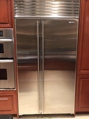 Sub Zero 42 built in refrigerator for Sale in Oakland Park, FL