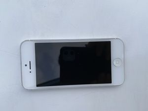 Apple iPhone 5 good condition att ATT 16gb for Sale in Westminster, CA