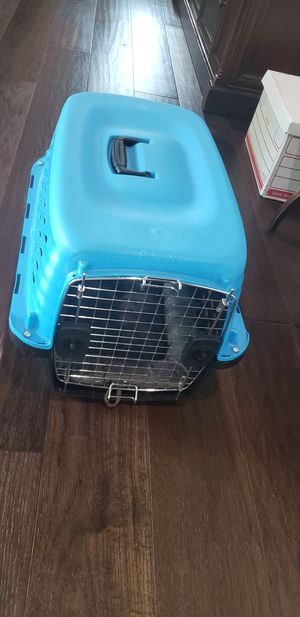 dog travel kennel/crate for Sale in Miami, FL