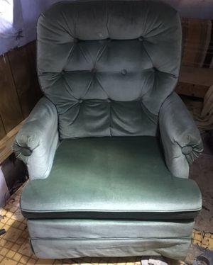 Green chair for Sale in West Monroe, LA