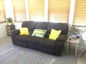 Reclining Sofa - great condition and very comfortable for Sale in San Diego, CA