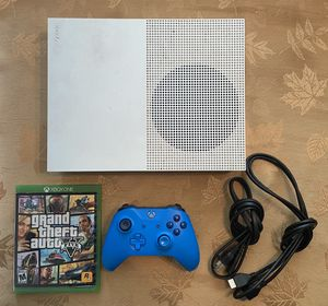 Xbox One S with controller and GTA V for Sale in Anaheim, CA