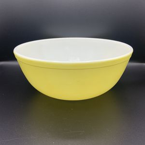MCM Pyrex 4qt. Mixing Bowl for Sale in Portland, OR