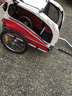 Like New 2 in 1 Pet Dog Bike Trailer And Stroller for Sale in Snohomish,  WA