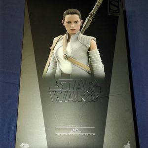 Sideshow Collectible Rey Poseable Figure for Sale in Buford, GA