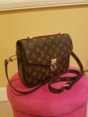 Louis Vuitton bag/purse for Sale in Seattle, WA