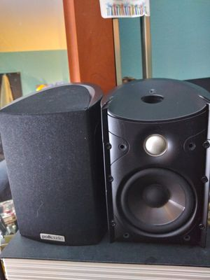 Polk audio speakers 10 inches height for Sale in Addison, IL