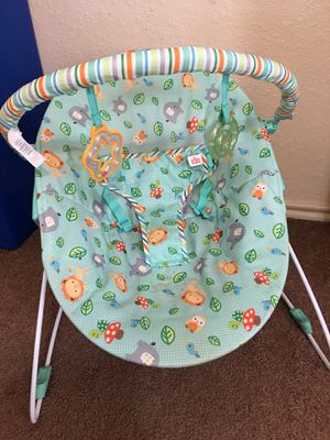 Baby swing and play mat $10 each for Sale in Austin, TX