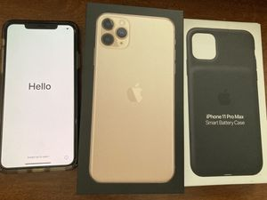 iPhone 11 Pro Max 256GB Gold Bundle w/ Smart Battery Case for Sale in San Diego, CA