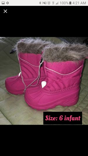 Pink Snow Boots -NEVER WORN for Sale in Florissant, MO