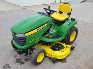 ... WTB JOHN DEERE COMMERCIAL GARDEN TRACTOR MOWER X400 X500 X700... I AM LOOKING TO BUY A COMMERCIAL RIDING MOWER ... for Sale in Dallas, TX