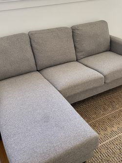 Mid-Size Great Condition Gray Couch for Sale in Los Angeles,  CA