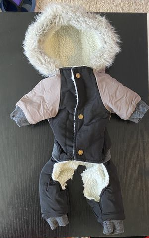 Warm dog outfit size small for Sale in Dallas, TX