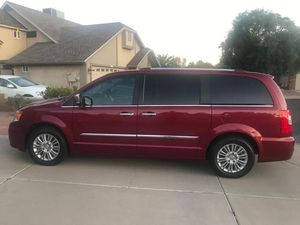 2015 Chrysler town & country, limited edition, loaded, very clean for Sale in Chandler, AZ