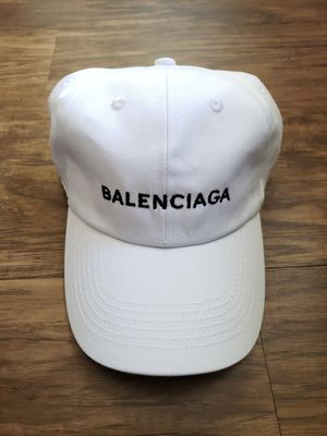 cd2ce1f3bfd BALENCIAGA HAT - WHITE for Sale in East Los Angeles