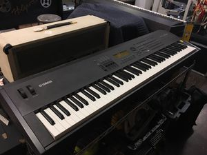 Yamaha S90 Music Synthesizer Keyboard for Sale in West Hollywood, CA